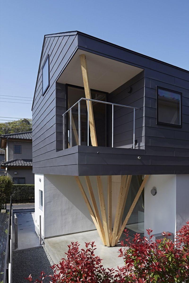 Façade terrasse & vue balcon Y-House par Kensuke Watanabe - Kamakura, Japon