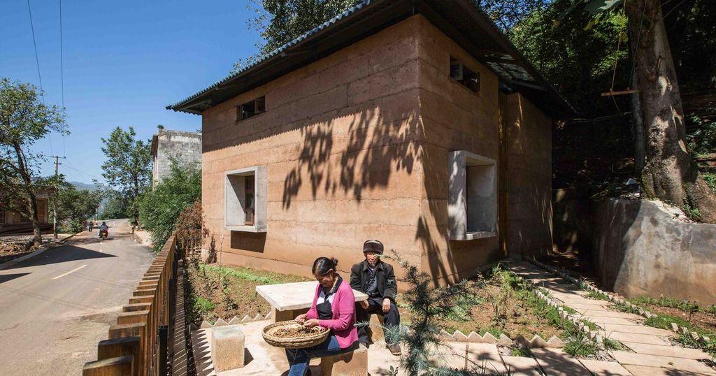 Construire en terre une solution de reconstruction apr s un s isme build green - Construire une maison en terre ...