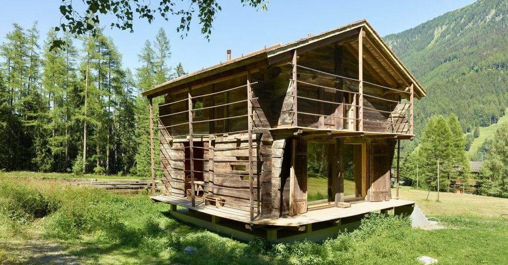 magnifique grange bois d m nag e et restaur e en suisse build green. Black Bedroom Furniture Sets. Home Design Ideas