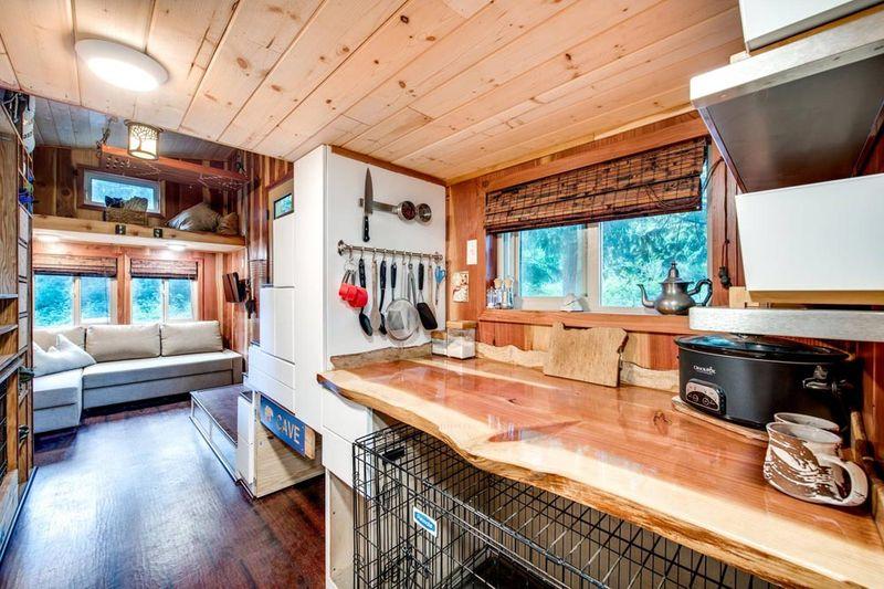 basecamp tiny house par backcountry tiny homes usa build green. Black Bedroom Furniture Sets. Home Design Ideas