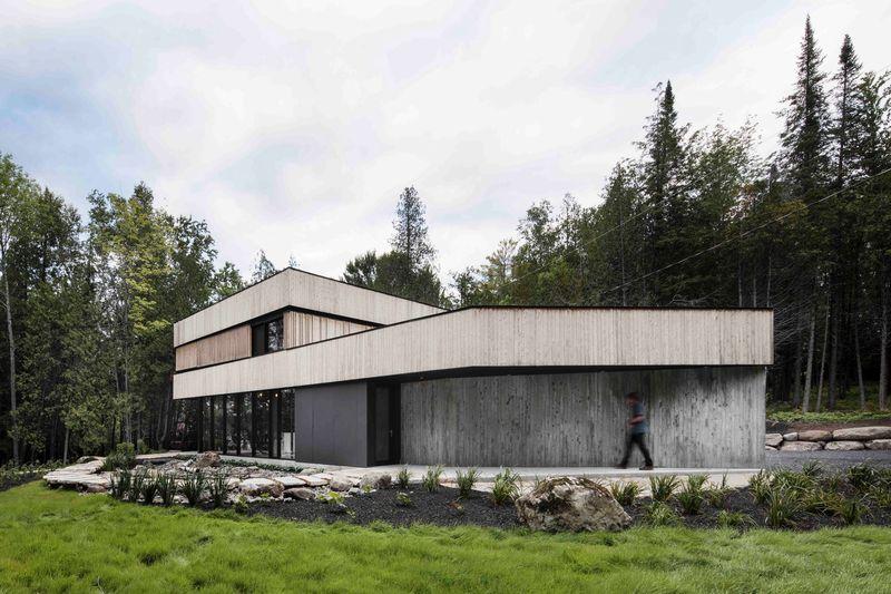 Maison bois ultra contemporaine à l\'architecture passive au ...