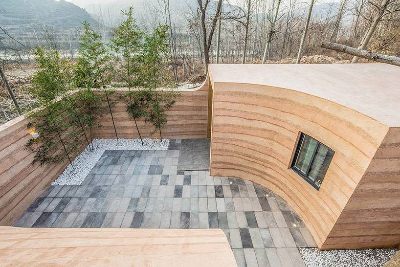 cour intérieure - Cavehouse par Hypersity - Chine
