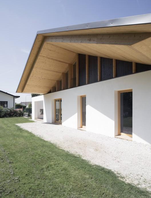 déport terrasse - SCL Maison isolée paille par Jimmi Pianezzola Architetto - Italie