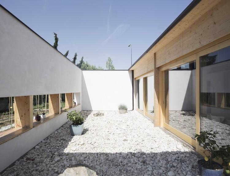 patio - SCL Maison isolée paille par Jimmi Pianezzola Architetto - Italie