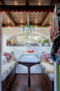 ipsy Mermaid tiny house par Robert and Rebekah Sofia - Usa