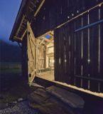 entrée de nuit - Maison Moser par architectes Madritsch et Pfurtscheller - Autriche