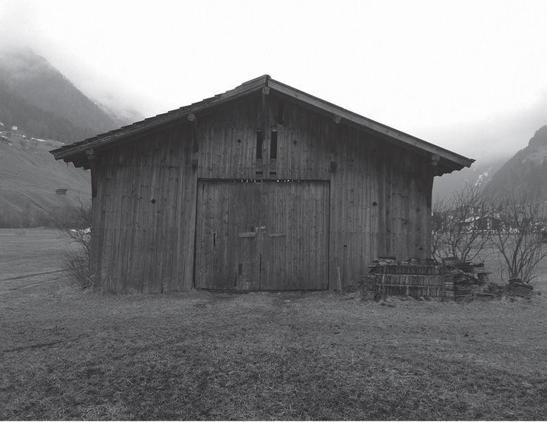 grange originale - Maison Moser par architectes Madritsch et Pfurtscheller - Autriche