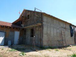 2 façades - auto-construction maison paille Greb - Auvergne - France
