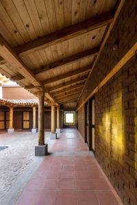 Carrelage recyclé cour - Kumanchikua-House par Moro-Taller-Arquitectura - Tarecuato - Mexique
