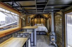 Chambre et cuisine - earth-sky par Dan Huling - Colorado, USA