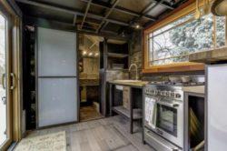 Cuisine et entrée salle de bains - earth-sky par Dan Huling - Colorado, USA