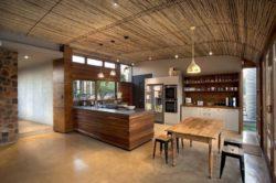 Cuisine & mini séjour - maison-pierres-bois par Earthworld Architects - Pretoria, Afrique du Sud