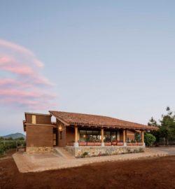 Façade principale - Kumanchikua-House par Moro-Taller-Arquitectura - Tarecuato - Mexique