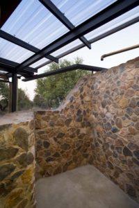 Mini pièce en pierres - maison-pierres-bois par Earthworld Architects - Pretoria, Afrique du Sud
