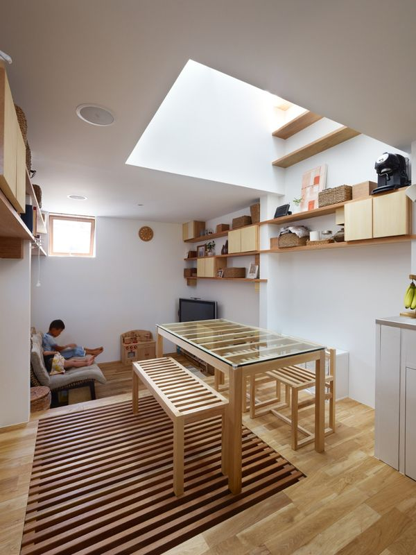 Petit salon & séjour - tiny-house par Fujiwaramuro-Architects - Kobe - Japon