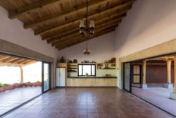 Pièce de vie & gfrande baie vitrée coulissante - Kumanchikua-House par Moro-Taller-Arquitectura - Tarecuato - Mexique