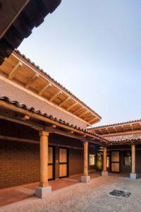 Poutres de bois & toit en tuiles - Kumanchikua-House par Moro-Taller-Arquitectura - Tarecuato - Mexique