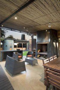 Séjour & salon - maison-pierres-bois par Earthworld Architects - Pretoria, Afrique du Sud