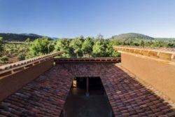 Toiture en tuiles - Kumanchikua-House par Moro-Taller-Arquitectura - Tarecuato - Mexique