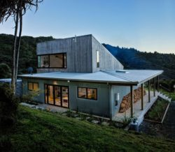 arrière - Back Country house par David Maurice de LTD Architectura - Puhoi bush - Nouvelle Zélande