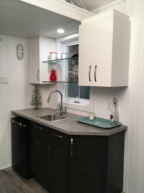 cuisine - Tiny house la Puce par Vivre en Mini - Québec, Canada