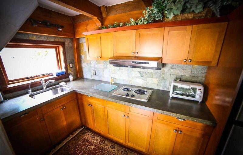 cuisine en L - Winckler cottage par Lindcroft Custom Dwellings - Vancouver - Canada