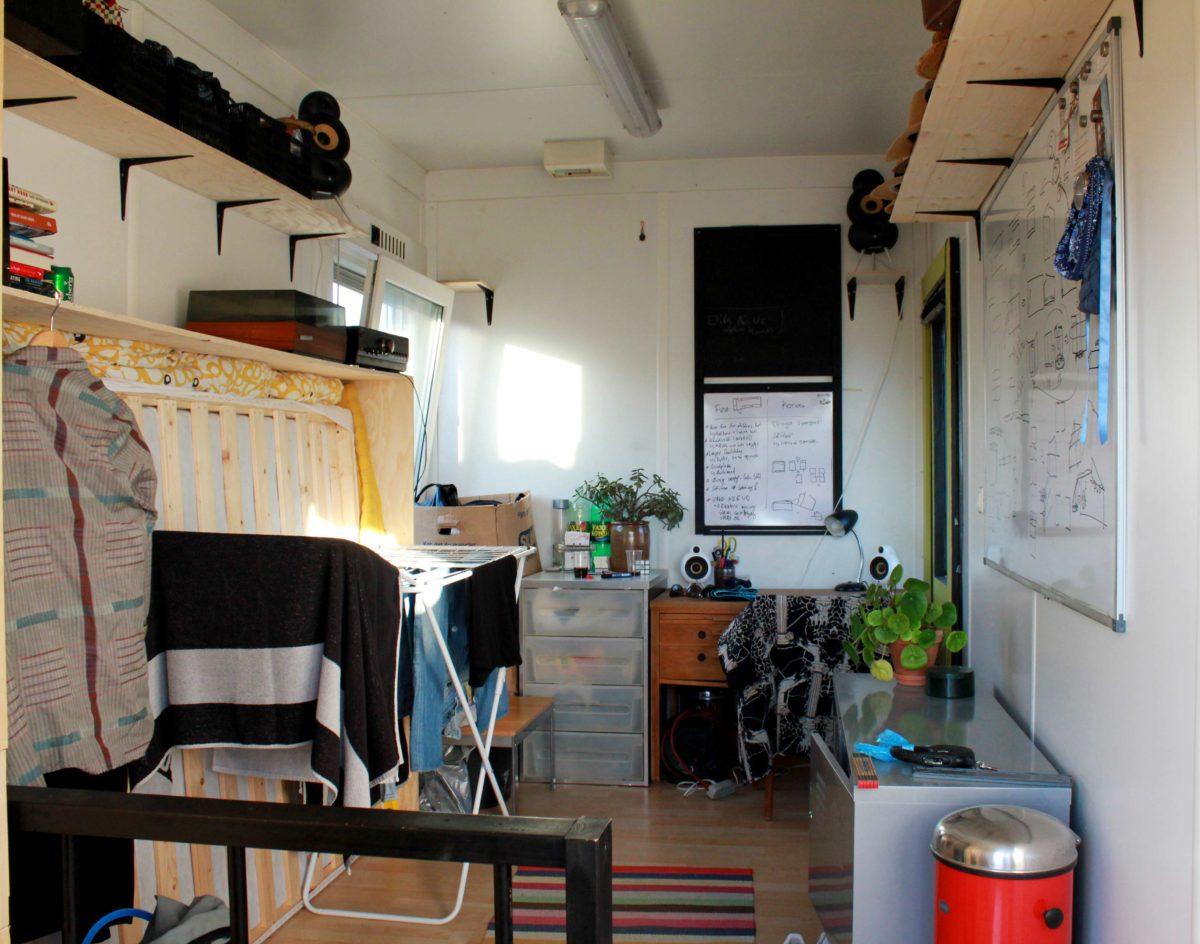 L'intérieur d'un des conteneurs. Aarhus et l'institut pour x - Danemark