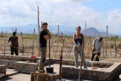 Fondation en pierres - Babus-house par C-re-a.i.d - Kilimandjaro, Tanzanie