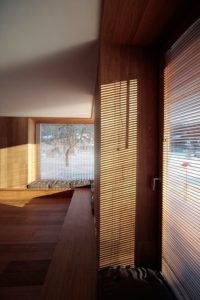 Grande pièce salon - Alpine-hut par OFIS-arhitekti - Stara Fuzina, Slovenie