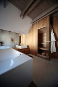 Grande salle de bains - Alpine-hut par OFIS-arhitekti - Stara Fuzina, Slovenie