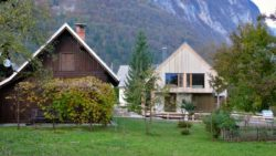 Jardin - Alpine-hut par OFIS-arhitekti - Stara Fuzina, Slovenie