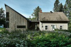 Vue d'ensemble et jardin-Les soeurs par Anik Péloquin architecte - La Malbaie - Canada
