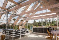 Mini pièce de vie au grenier - Solar-powered house par Eklund Stockholm - Goteborg, Suede