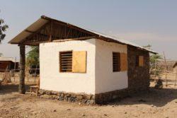 Partie terre battue avec enduit chaux - Babus-house par C-re-a.i.d - Kilimandjaro, Tanzanie
