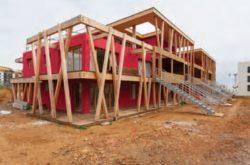 Vue d'ensemble avec charpente - Mascobado par Architecture & Environnement - Montpellier, France