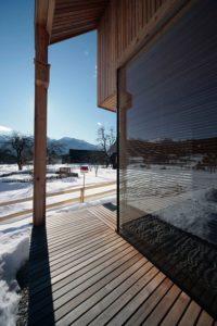 terrasse bois - Alpine-hut par OFIS-arhitekti - Stara Fuzina, Slovenie