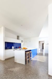 îlot central de cuisine - Hemp House par Steffen Welsch - Melbourne, Australie © Rhiannon Slatter