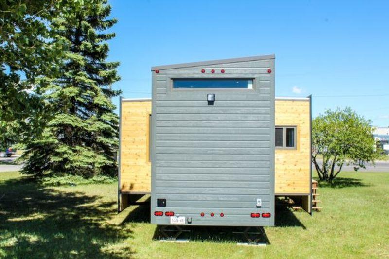 Amenagement clignotants arrière pour déménagement - Aurora par Zero Squared - Canada © ZeroSquared