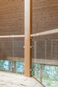 Balustrade vitrée balcon intérieur - Pyramid-House par VOID-Architecture - Sysma, Finlande © Timo Laaksonen