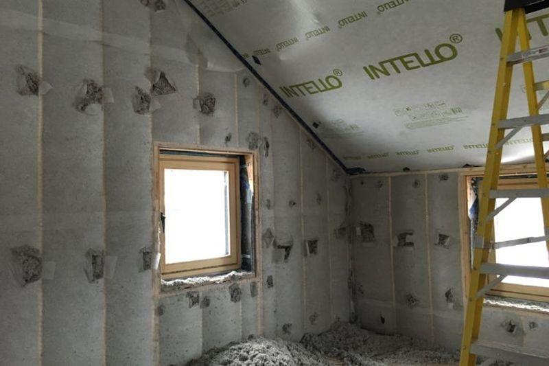 Isolation cellulose dense - Springhouse par Sarah Cobb - William Murray - Abercorn, Quebec