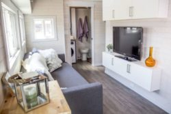 Mini salon et TV - Aurora par Zero Squared - Canada © ZeroSquared