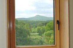 fenêtre haute performance - Springhouse par Sarah Cobb - William Murray - Abercorn, Quebec
