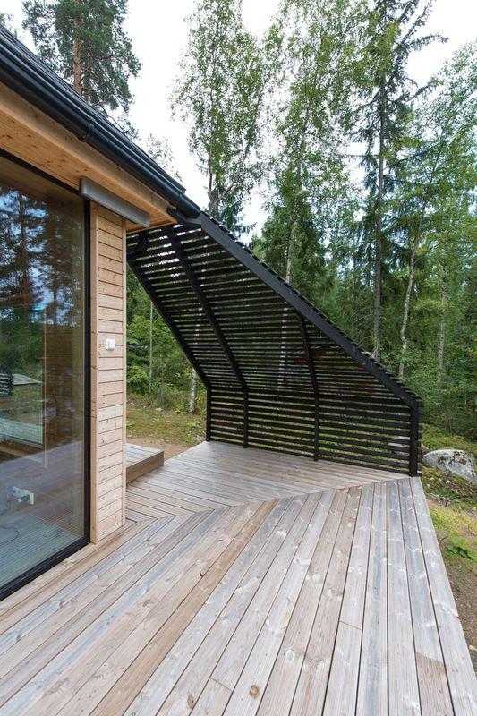 Terrasse - Pyramid-House par VOID-Architecture - Sysma, Finlande © Timo Laaksonen
