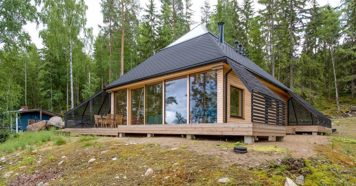 une maison en bois pyramidale dans les bois finlandais build green. Black Bedroom Furniture Sets. Home Design Ideas