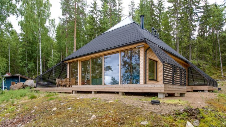 Une- Pyramid-House par VOID-Architecture - Sysma, Finlande © Timo Laaksonen