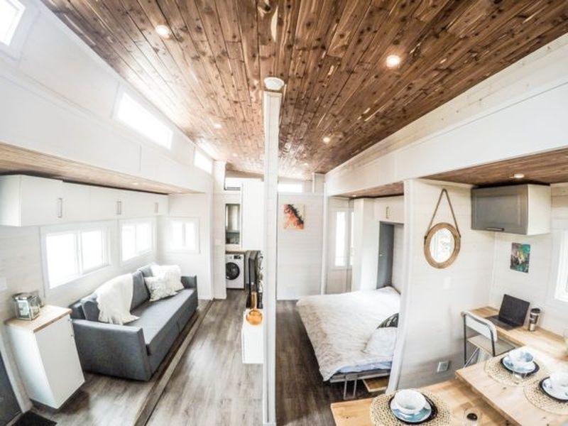 salon et séjour avec vue chambre - Aurora par Zero Squared - Canada Mini salon et TV - Aurora par Zero Squared - Canada © ZeroSquared