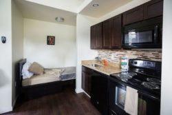 Chambre et cuisine - Tiny-House par CCSS - Detroit, USA © jetsongreen