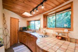 cuisine - Cob cottage par Cobworks - Canada