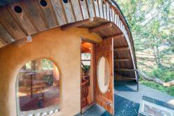 entrée terrasse - Cob cottage par Cobworks - Canada