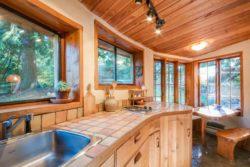 plan de travail cuisine - Cob cottage par Cobworks - Canada